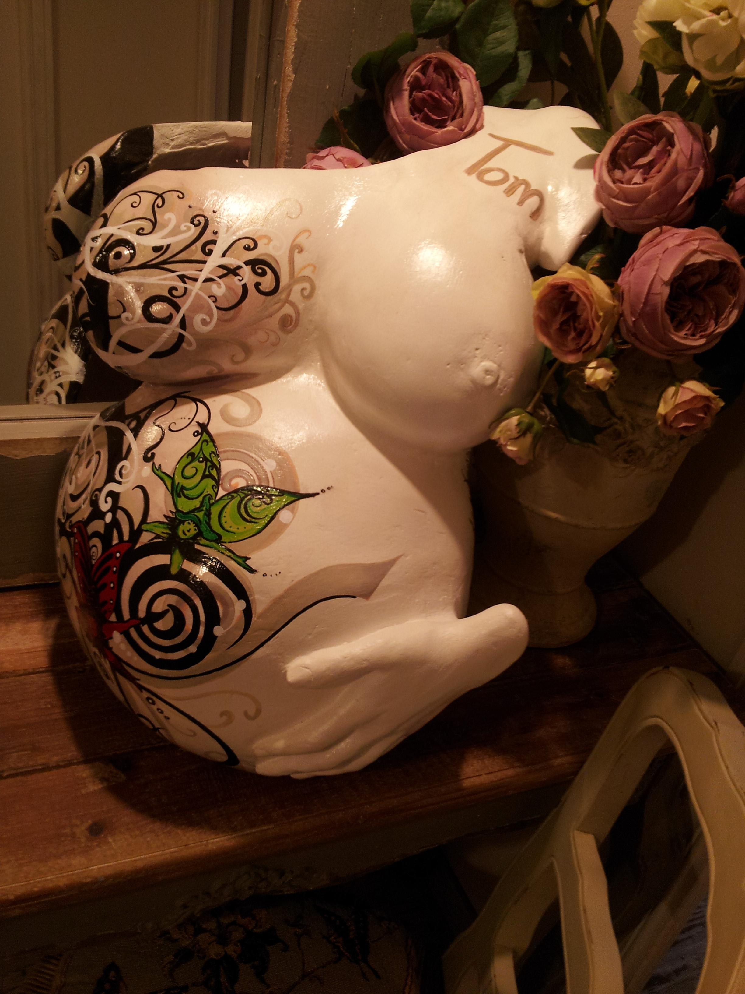 Escultura Embarazada Tom